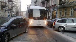 Wilcza: źle zaparkował, zatrzymał autokar