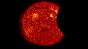 Tak wygląda zaćmienie Słońca w kosmosie
