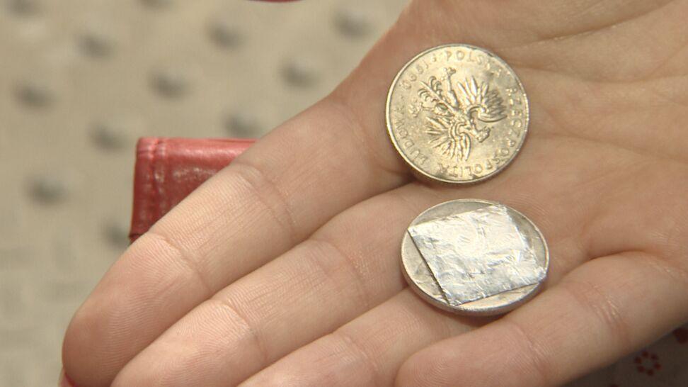 Fałszywe monety w automatach SKM.